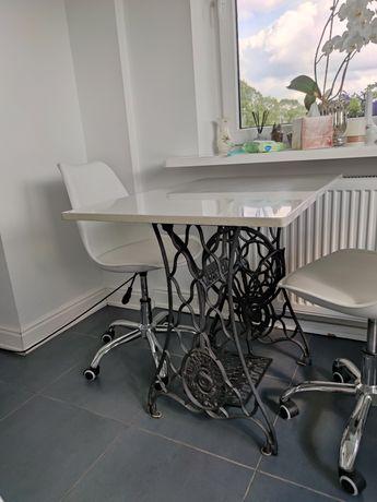 Stół z kamiennym Stół z kamiennym blatem