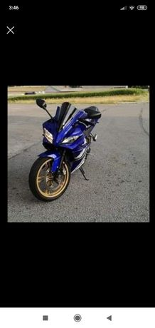 Yamaha yzf r125 tlumik akrapovic