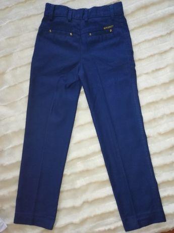 Продам брюки р. 34 (на 6-7 лет)