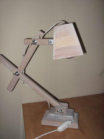 lampa drewniana na biurko drewniana w stylu Skandynawskim