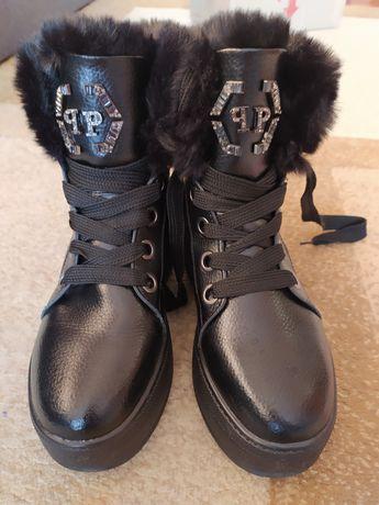 Продам женские кожаные ботинки