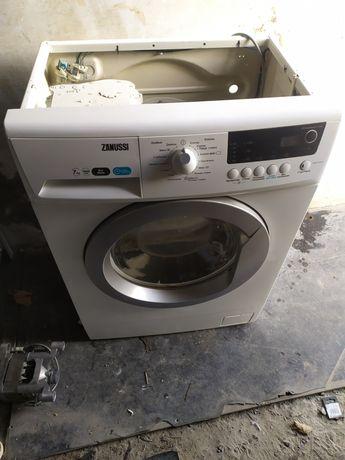 Продам стиральную машину Занусси по запчастям отправка новой почтой