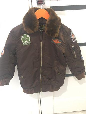 Продам куртку весеннюю на 5-6 лет