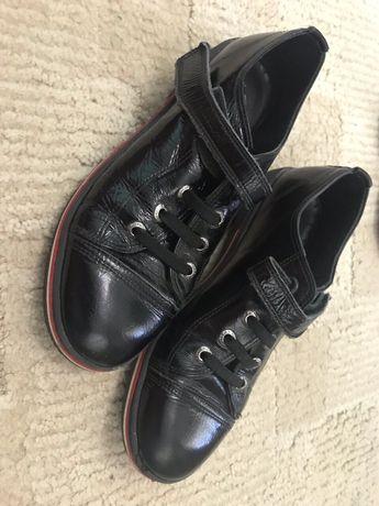Туфлі шкіряні для дівчинки