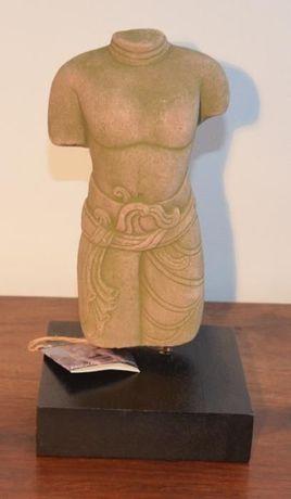Torso Homem – Angkor (Cambodja) – Estatueta em pó de pedra