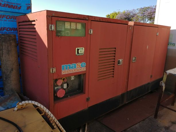 Gerador de 140 KW a gasóleo