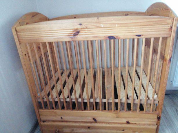 łóżeczko drewniane z szufladą
