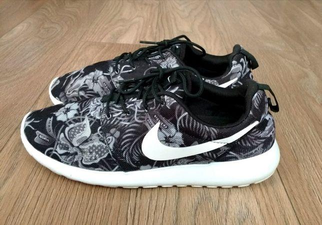 Buty Nike Roshe Run Floral Print rozmiar 42