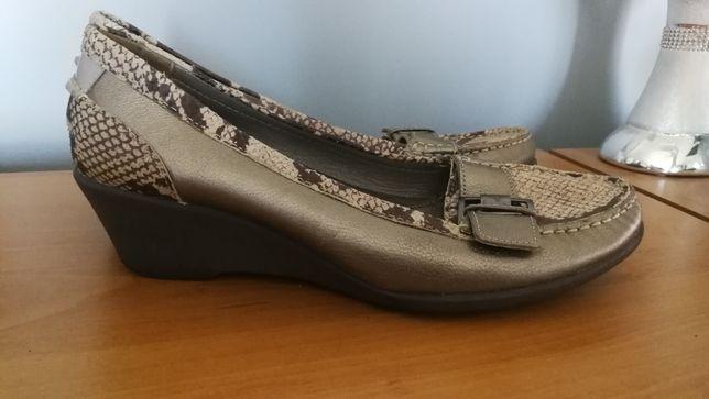 Buty skórzane clarks roz. 39 wkl. 26
