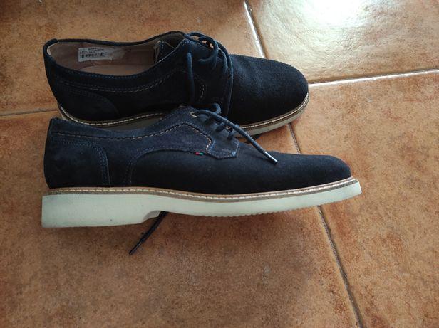 Sapatos de homem em pele nº39 semi novos
