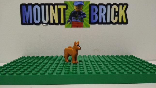 Pies brązowy LEGO [Mount Brick]