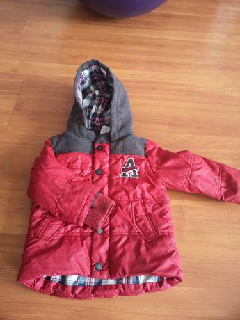 Демисезонная куртка c&a, 86 размер, в подарок шапка