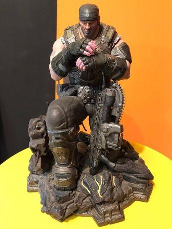 Набор Gears of War 3 Epic Edition: Фигурка Маркус , Медаль , арт-бук