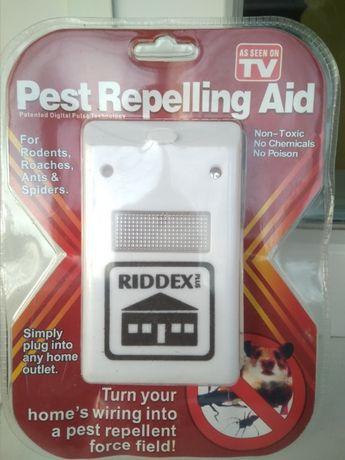 Отпугиватель грызунов и тараканов насекомых Riddex Pest Repelling Aid
