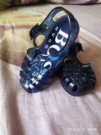 Босоножки обувь тапочки