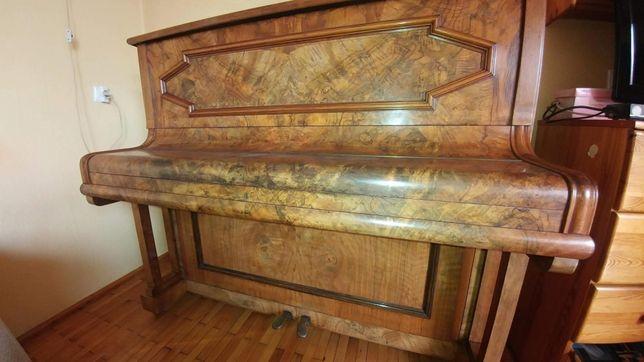 Pianino stare lata 40