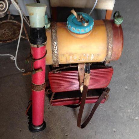aparelho de pulverizar antigo a motor