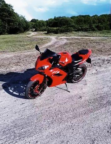 Продам отличный Мотоцикл.Viper F2 250 2016