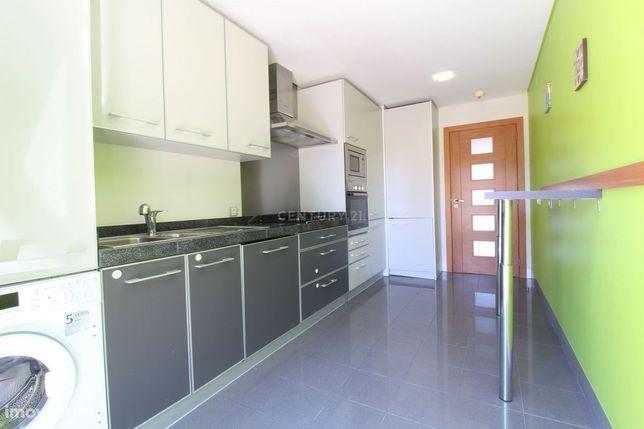 T2 c/Terraço em Condomínio Privado - Quinta da Trindade