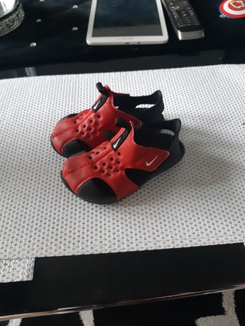 Sandały Nike czerwone