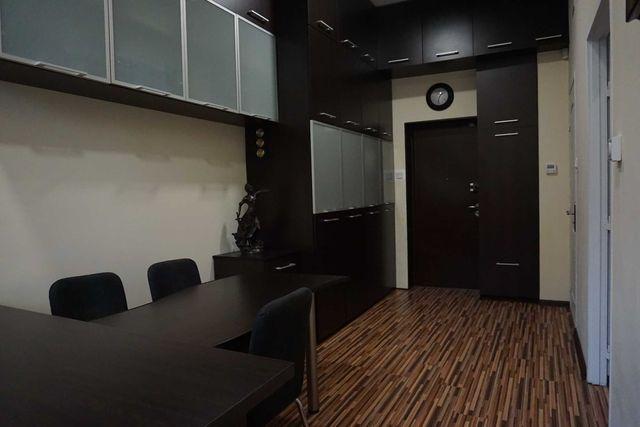 Mieszkanie z klimatyzacją i lokalem biurowym