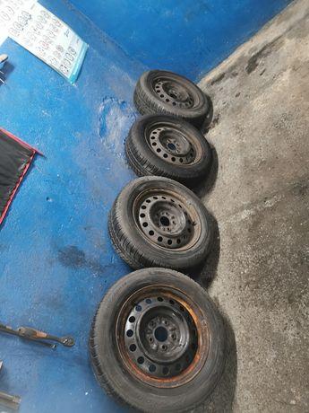 """Koła 5x114.3 Nissan 16"""" opony zimowe 205 60R16 Michelin"""