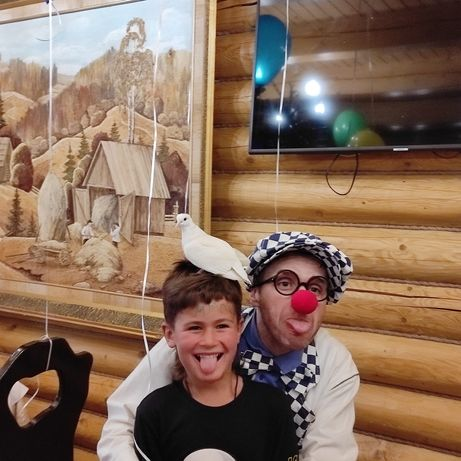 Веселі клоуни,фокуси,дресировані голуби та інші розваги на ваші свята.