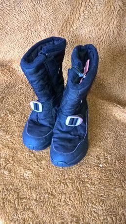 Buty zimowe w rozmiarze 30