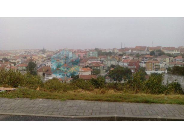 Terreno urbano em Porto Salvo.