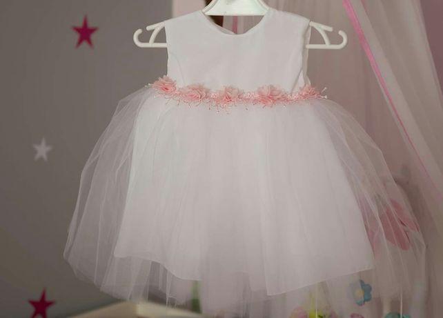 Sprzedam piękna sukienkę do chrztu. Opaska bolerko rajstopki i buty