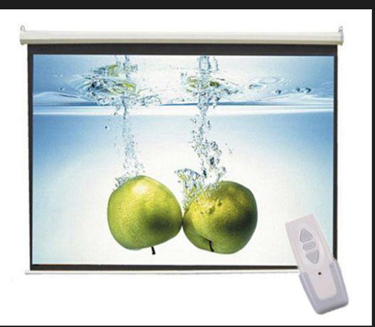Ekran projekcyjny elektryczny Nowy