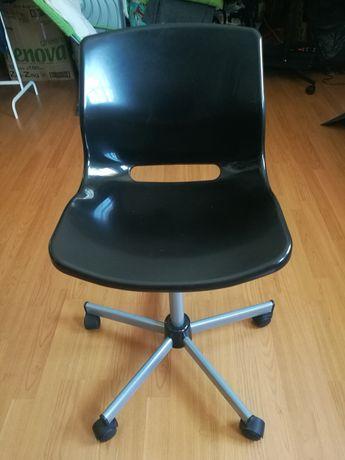Cadeira IKEA Snille