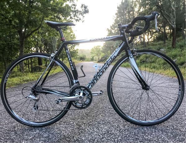 Bicicleta estrada CANNONDALE