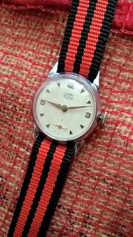 UMF Ruhla z dolną sekundą mechaniczny zegarek