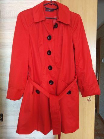 Płaszcz czerwony 30zł