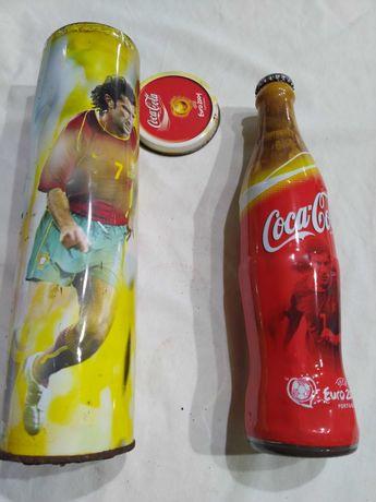 Lata com garrafa de coca-cola cheia Euro 2004