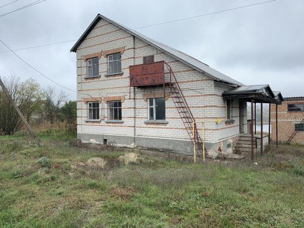 Продам дом 200м²  недалеко от города