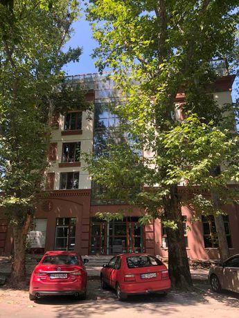 Продаю 2 комнатную квартиру в центре