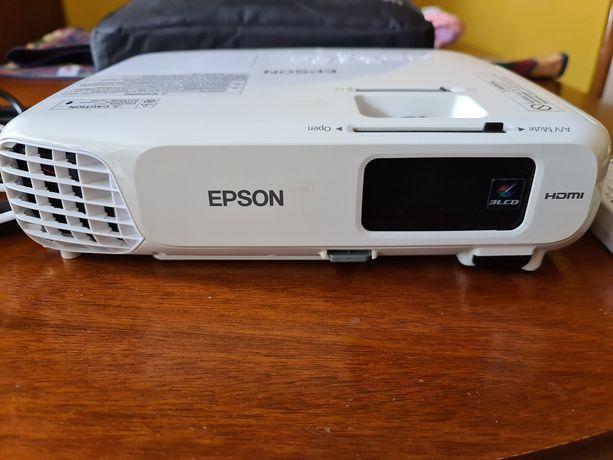 Projektor EPSON EB-S18