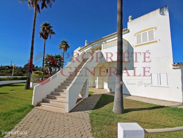 Apartamento com vista mar a 300 metros de Praia