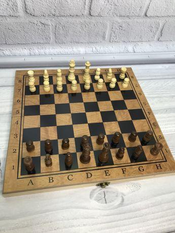 Новые деревянные шахматы. Нарды 3в1. 30х30см.