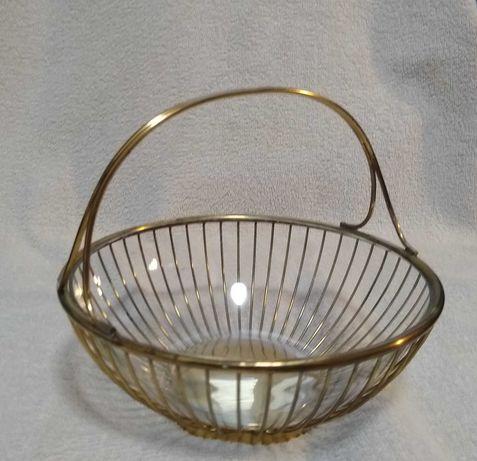 Mosiężny koszyczek ze szklaną miseczką