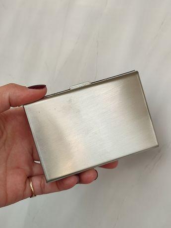 Визитница каркасная серебристая металлическая Антимагнитная