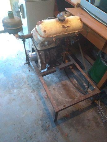 Двигатель на трактор  ЗИТ 1 Цилиндровий
