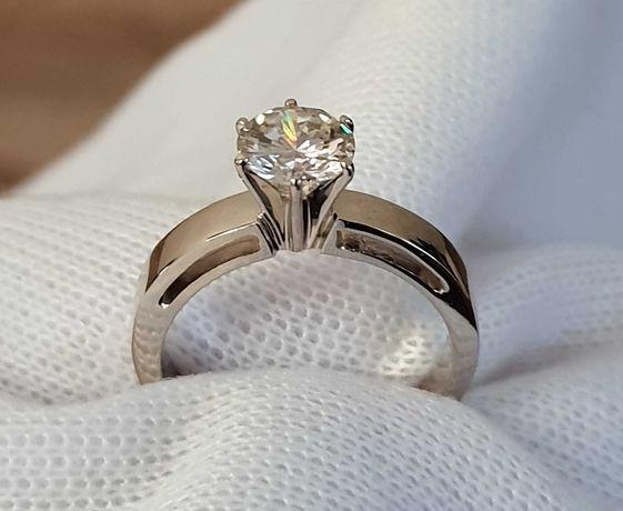 Золотое кольцо с большим бриллиантом 1,13 карата