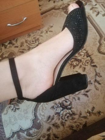 Продам красивые и удобные босоножки, туфли