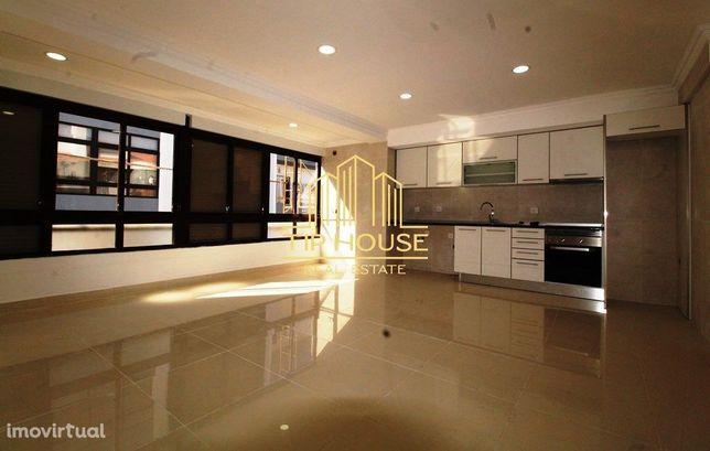 Apartamento T2 Totalmente Remodelado na Marisol, Charneca Caparica