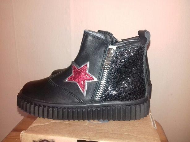 Нове шкіряне взуття Naturino 26