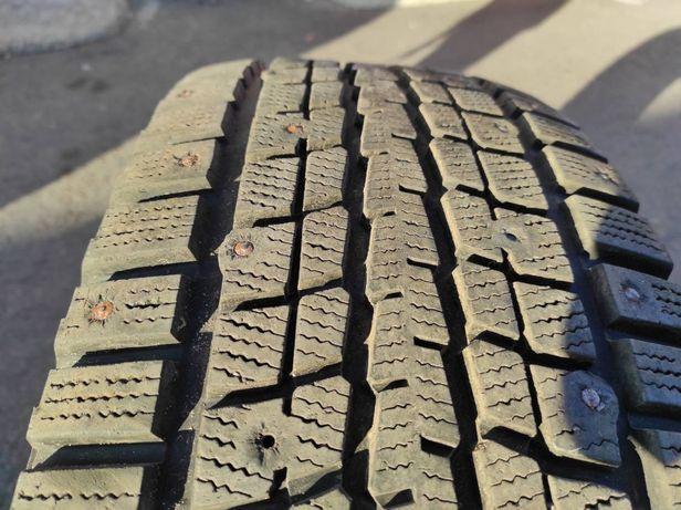 Зимние шины Dunlop SP Winter ICE 01. 265 65 R 17. Шипованные.