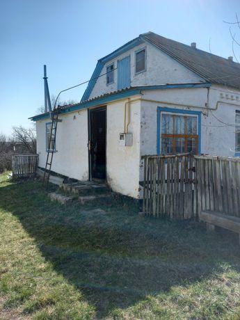 Продам часть дома в центре Лишни